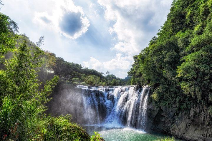 Shifen Waterfall in Taiwan - Aaron Choi Photography