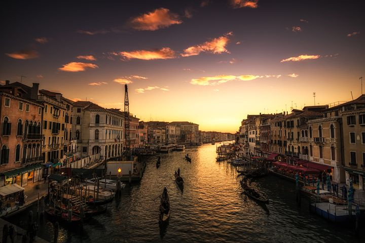 the marching gondolas - Aaron Choi Photography