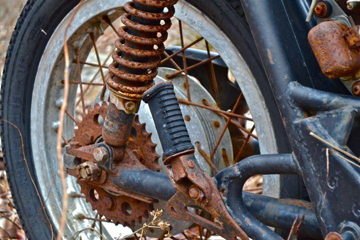 Rusty Bike - Zee