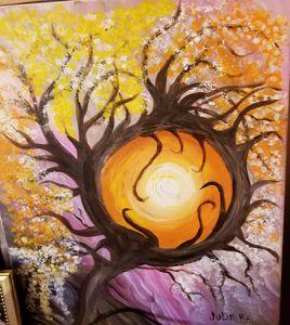 Strange tree grabbing the sun