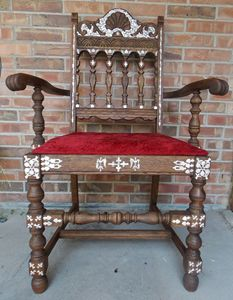 Old church Diacono Chair decorated. - Sacred ART