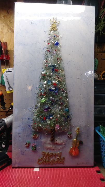Large Christmas tree - Frankie's works of art