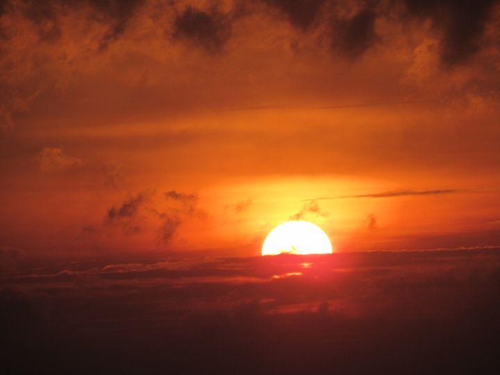 Glorious Sunset - Alexies Nicals