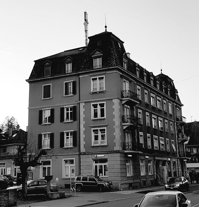 pretty old house - NubesDesignCH