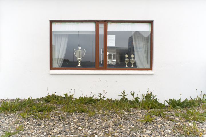 Facade - A Window With A Trophy To S - KOBAYASHI photography