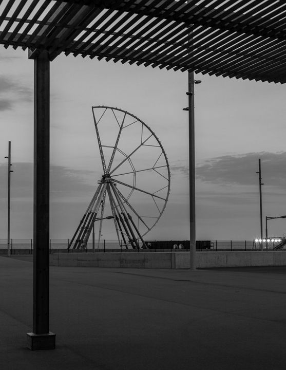 Ferris whee in Barcelona - KOBAYASHI photography