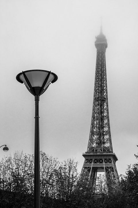 Tour Eiffel - Paris in the fog - KOBAYASHI photography