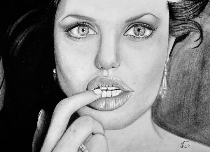 Angelina Jolie - Maisie Smith Art