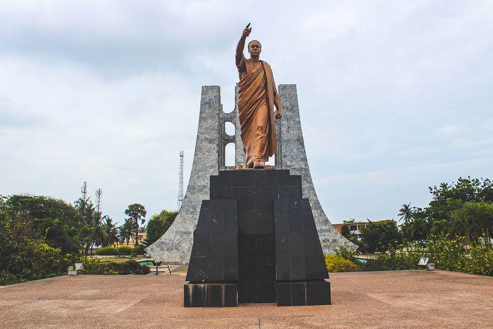Kwame Nkrumah statue - Stephanie Claytor