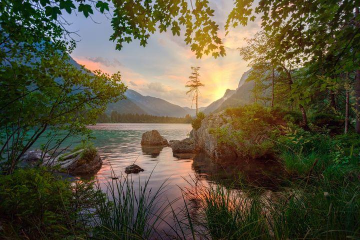 Sunrise behind the mountain - Faiq Designer