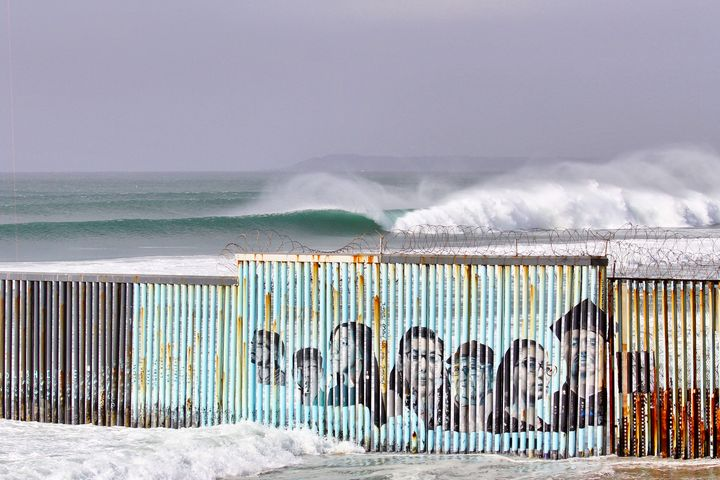 Mural de Migrantes - Border Collection by JC Monje