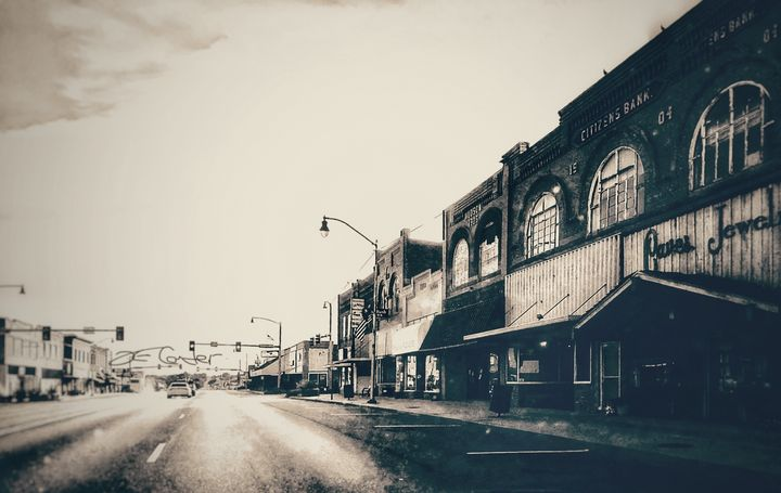 Downtown Henryetta Oklahoma - Tammera Carter Art Gallery