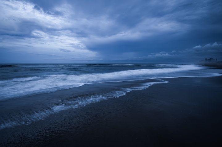 Reaching Waves - Snap-182