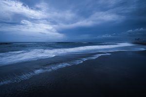 Reaching Waves