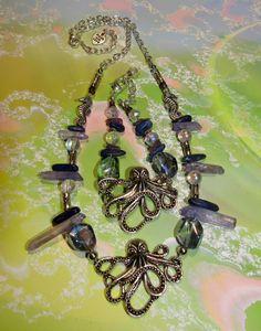 Octo Queen Necklace & Bracelet set