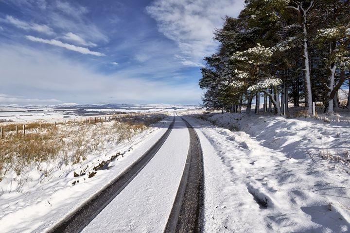 Winter Scenery in Scotland - Jeremy Lavender Photography