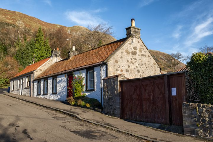Cottages in Central Scotland - Jeremy Lavender Photography