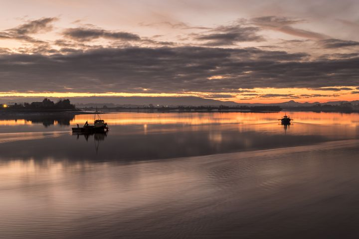 Sunset over the River Forth - Jeremy Lavender Photography