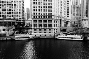 Boats on the Chicago River BW