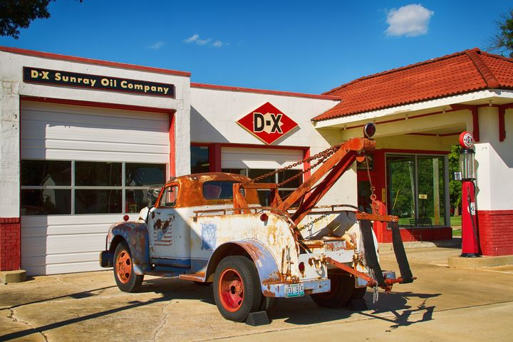 Fix and Fill 'er Up - Russell Honey Photography