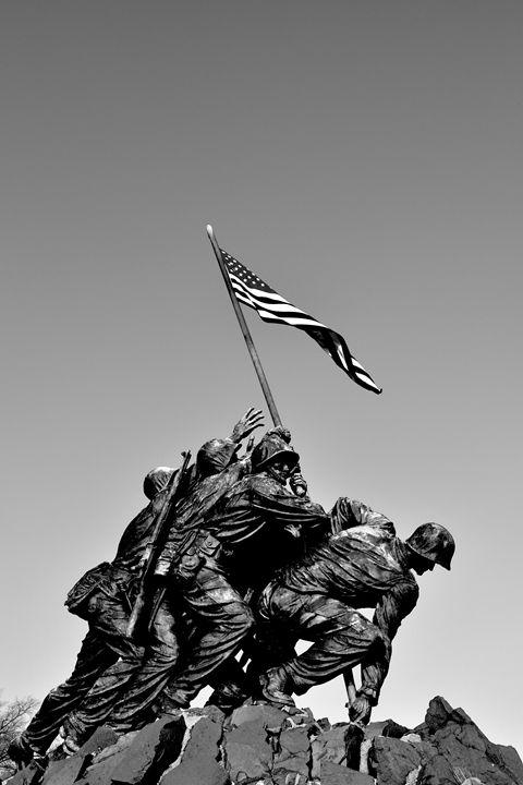 Iwo Jima Memorial I B&W - Lubit Arts