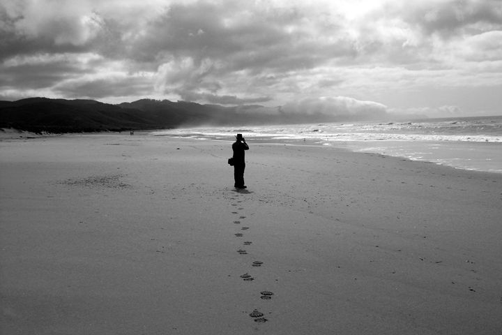 Footprints In The Sand B&W - Lubit Arts