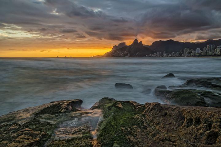 Sunset at Arpoador beach, Ipanema - Travels
