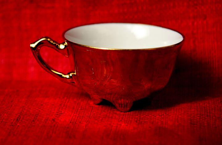 Golden cup - Elena Zapassky