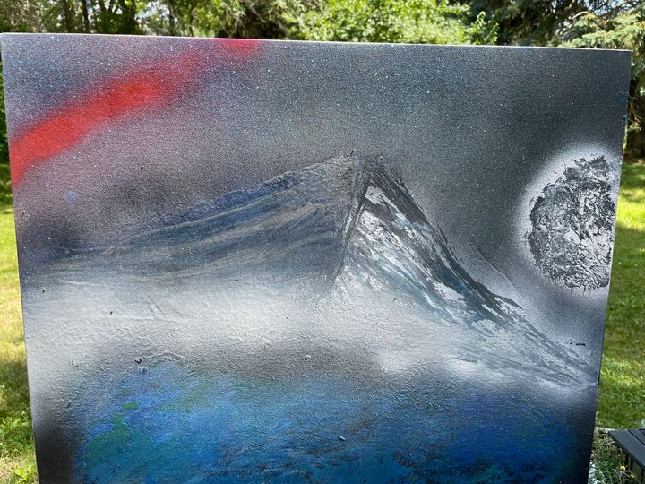 Fog at the top of the mountain - Ekiwah's Spray Paint Art