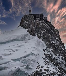 Looking up to the Aguille du Midi