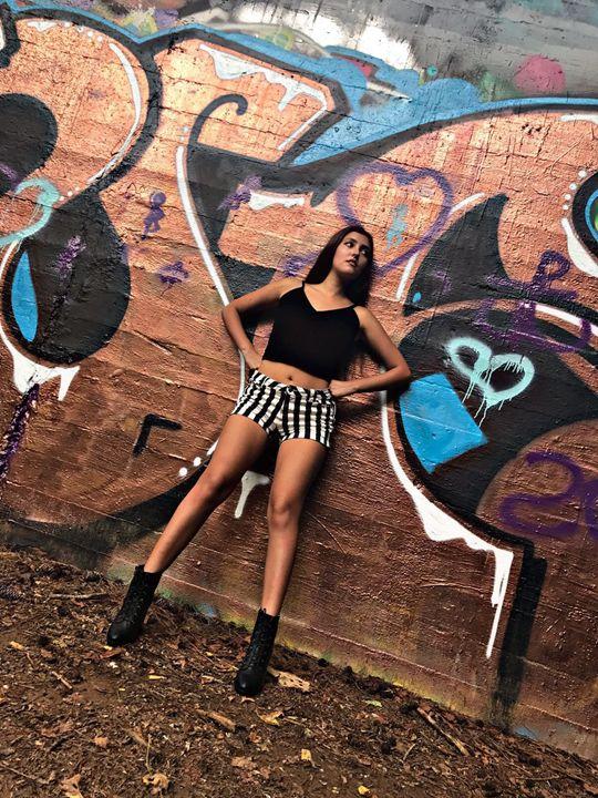 Streetgirl - Paulandrea
