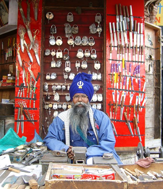 Locksmith, Punjab, India - EndLocalHunger