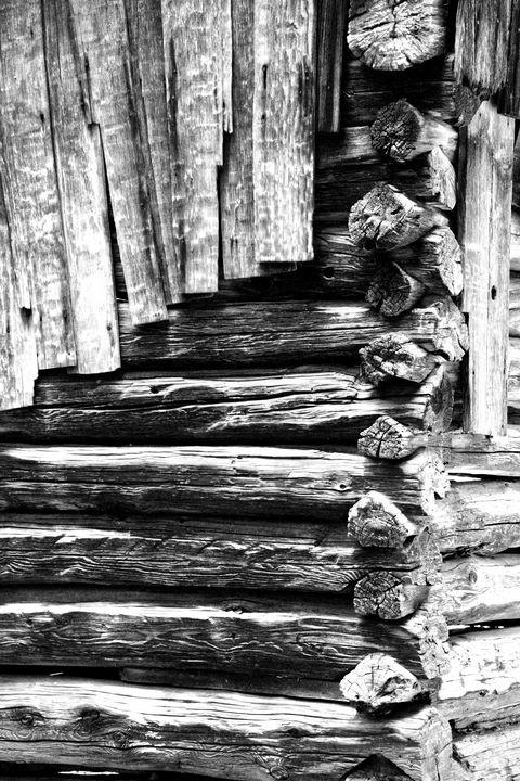Black And White Log Cabin - Perkins Designs