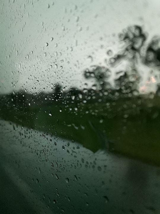 Rain drops on glass - #bymohenski