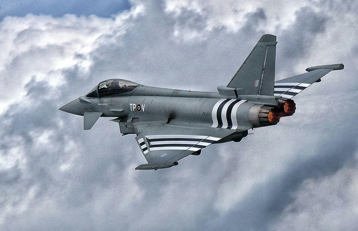 Fast Typhoon - Through the lens