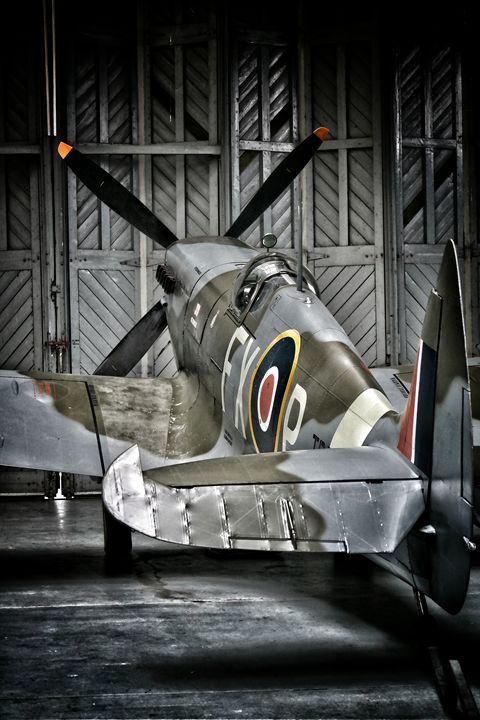 Spitfire standby - Through the lens