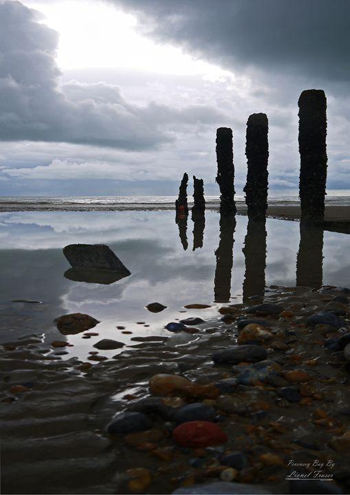 Pevensey Bay Monolithic - Lionel Fraser, Pictures of Eastbourne, England