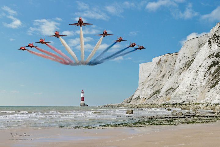 Red Arrows Over Beachy Head Lighthou - Lionel Fraser, Pictures of Eastbourne, England