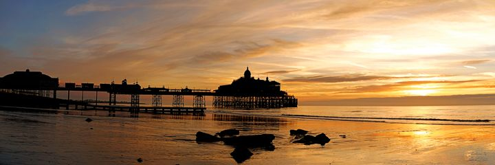 Sunrise Pier Silhouette - Lionel Fraser, Pictures of Eastbourne, England