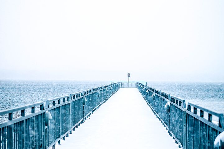 Snowy Pier - Leader Photography