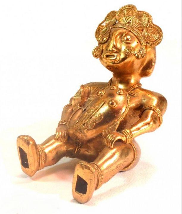 Exquisite Pre-Columbian Gold Statue - PilillaStand