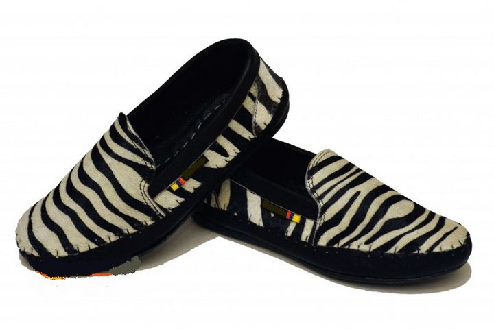 Pure Colombian Cow Leather Shoes - PilillaStand