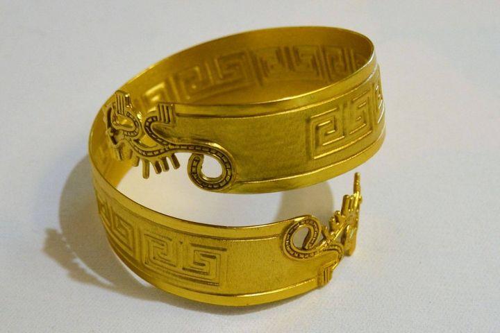 Exquisite Pre-columbian Bracelet - PilillaStand