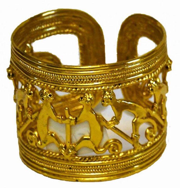 Heritage Pre-columbian Bracelet - PilillaStand