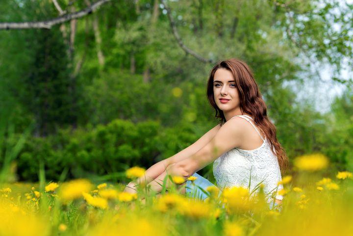Girl on the lawn - Dobrydnev