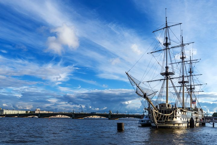 A sailing ship - Dobrydnev