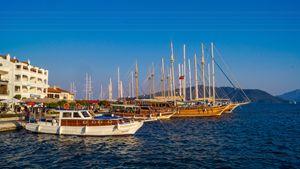 Yachts in the marina of Marmaris - Dobrydnev