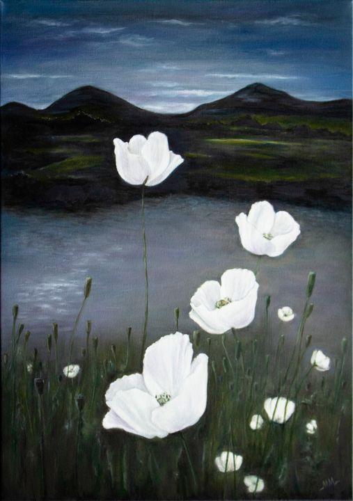 Moonlight poppies - Mila Moroko