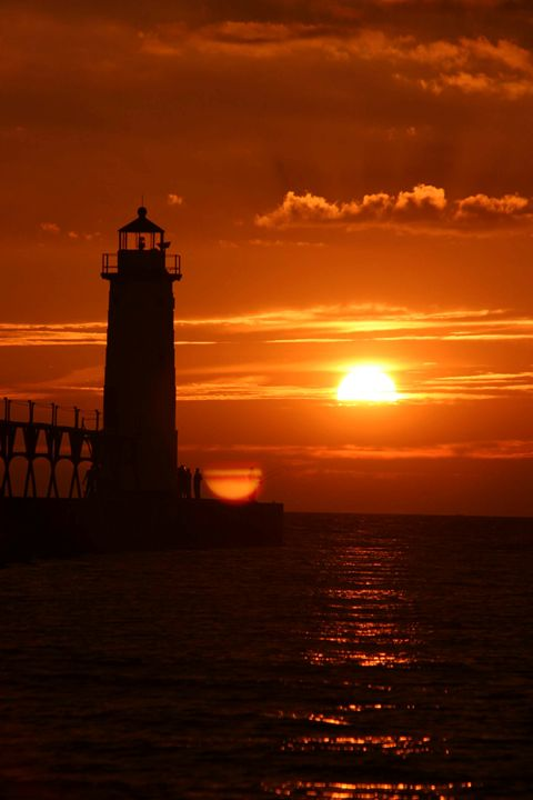 lighthouse at sunset - Wendy Theisen Halsey Photography