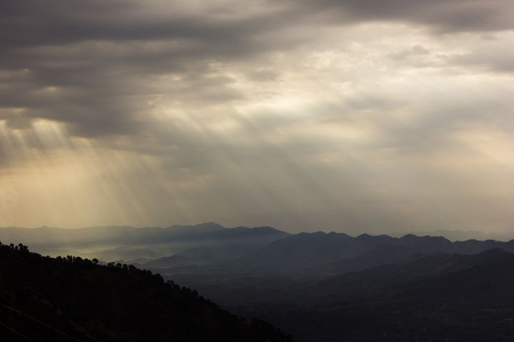 Angels arriving from heaven. - Vipul Haldankar